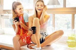 girls-685778_640