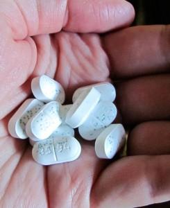 pills-14550_640